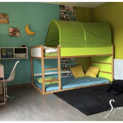 Double lit pour inviter des copains