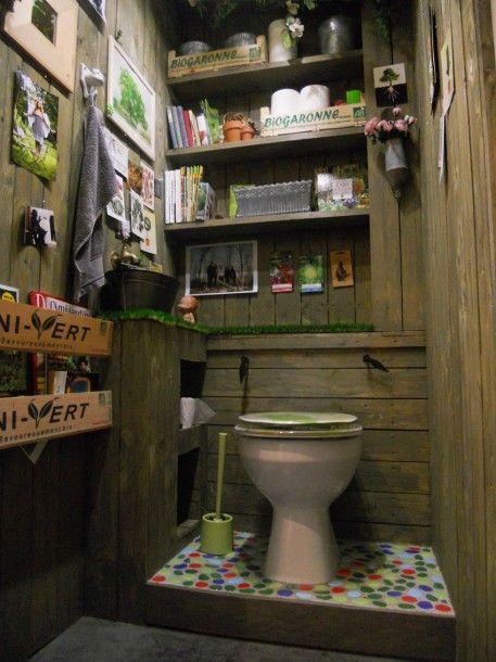 La d co aux toilettes n 39 est pas en reste synergie d co for Cabane de jardin originale