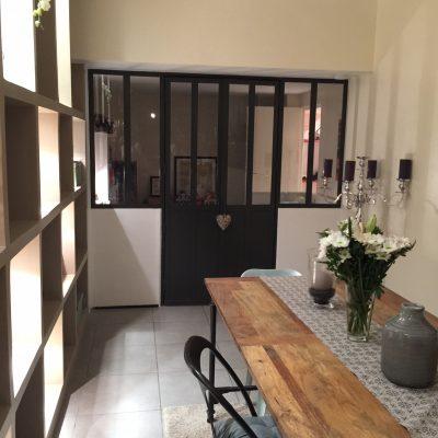 Une fois les portes fermées, le vitrage spécifique permet une bonne isolation phonique.