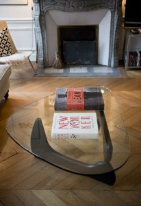 coffee table d'Isamu Nogushi