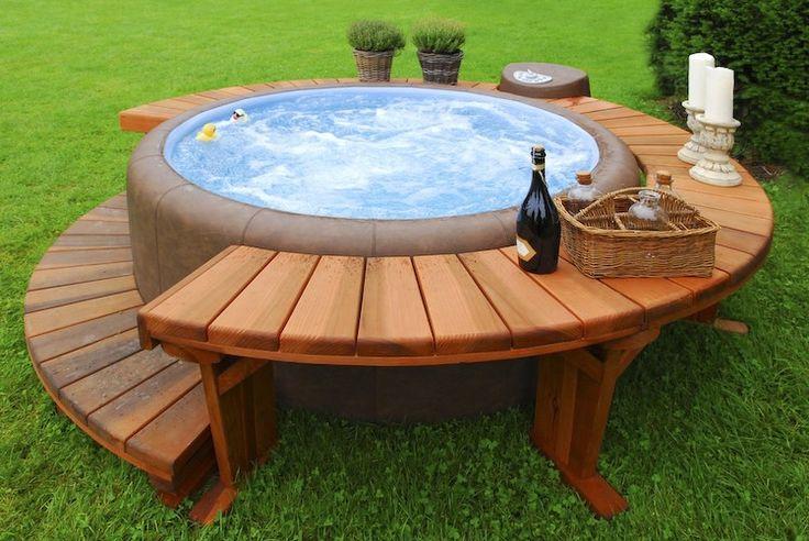 Focus envie de piscine synergie d co - Habillage bois spa gonflable ...