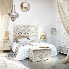 Pondichéry, maroc, on ne sait trop où on voyage, mais c'est loin de chez nous, pour notre plus grand plaisir! On se voit bien sous ses draps, en plein hiver?