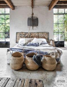 Couleur naturelles, matières brutes, et lumière. Un lit accueillant, qu'on n'a pas envie de quitter le matin!