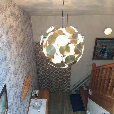 Boule graphique et lumineuse, entrée  Villiers saint frédéric
